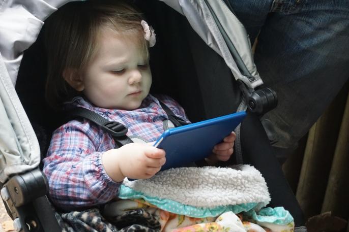 Mia's preferred activity at the zoo